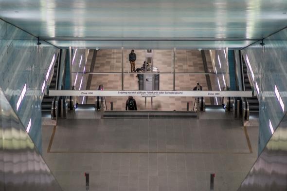 underground, u-bahn, down-stairs, metro, tube, Überseequartier, Hafencity, Hamburg, escalator, sign, people, moving